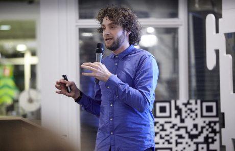 Edwin van der Geest presenting